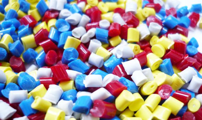plastic-1061731_1281